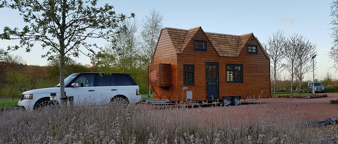 Fully mobile tiny house